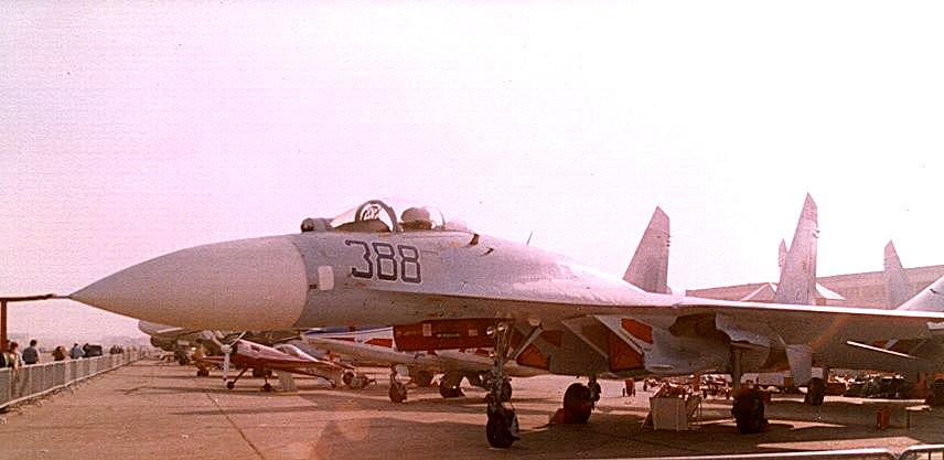 موسوعة الطائرات الروسية Ru_aircraft_su27_05