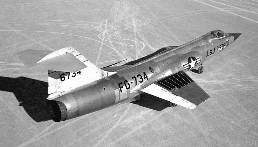 f-104-E-6213.jpg