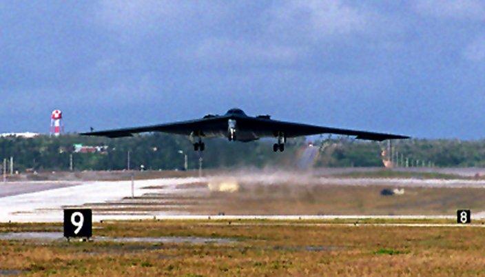 المقنبلة الاستراتيجية B-2 Spirit B-2-0407guamb2