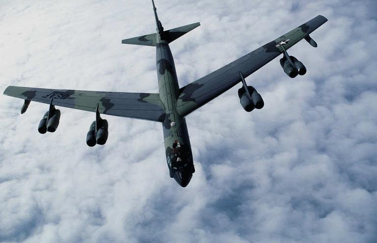 القاذفة Stratofortress  B-52 B52_33